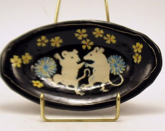 Handmade SGRAFFIT0 Pottery Dish DANCING MICE - Carved Tray Trinkets Jewelry Soap - Personalize Color Ceramic Art