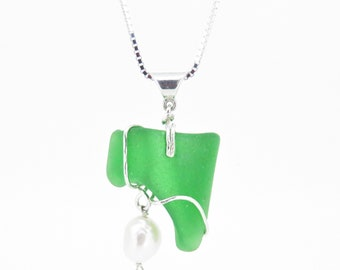 Green seaglass necklace with pearl