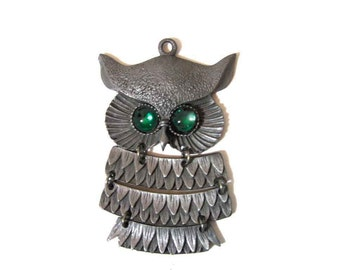 """Vintage Retro Silver Tone Owl Pendant Deep Green Eyes 4 Section Articulated 3.5"""" Long, Pendant Only, Pristine Condition"""