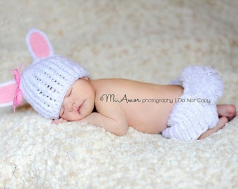 Bunny beanie and diaper cover- Newborn..... photo by Mi Amor Photography