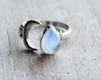 Rainbow Moonstone Sterling Silver Ring, Adjustable Boho Chic Rings, Fashion Crescent Moon Ring, Hippy, Healing Gemstone, Gypsy Lovin Light