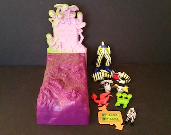 Vintage Beetlejuice Vanishing Vault Grave Coffin Toy By Kenner 1990