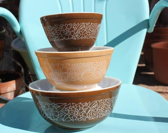 1978 - 1983 Pyrex Woodland Brown 403, 402 and 401 Nesting Mixing Bowls - Almost a Full Set - Very Good Condition