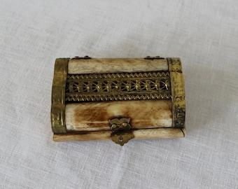 Bone Trinket Box, Carved Bone Box with Brass Hardware, Vintage Jewelry Box, Gift Box for Jewelry
