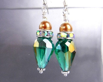 Emerald green crystal earrings with Thunder Polish, rhinestones and choice of gold OR ivory pearls // wedding, bridesmaid jewelry