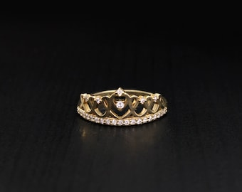 Tiara engagement ring, Tiny crown ring, Gold tiara ring, Princess ring crown, Delicate ring, Gift for women, Gift for girlfriend, Crown ring
