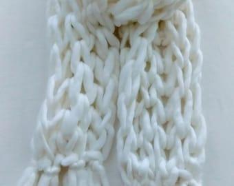 White Chunky knit scarf
