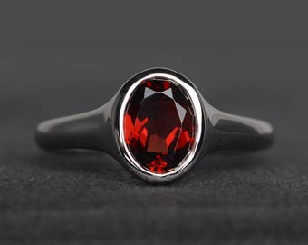 natural red garnet ring oval cut anniversary ring January birthstone red gemstone ring sterling silver ring