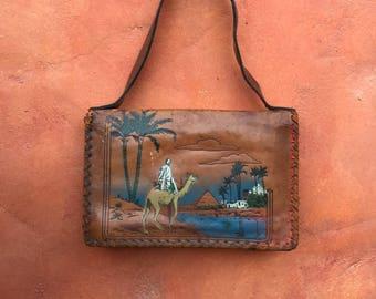 Vintage 1970s Tooled Painted Brown Leather Handbag Purse. 70s tooled purse. hippie purse boho purse gypsy purse camel pyramid scene