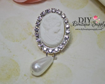Large White Cameo and Pearl Drops Rhinestone buttons Crystal Flatback Embellishment for Garters Wedding Bridal accessories 2 pcs 694068