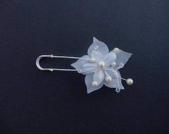 PIN back catcher train wedding bridal silk flower beads