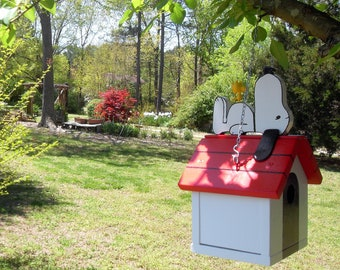 Peanuts' Snoopy & Woodstock Birdhouse