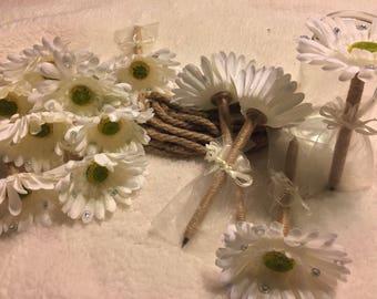 Rustic flower pen