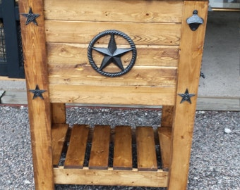 Rustic 48 quart Patio Cooler.  Igloo cooler built in.  Star with Rope design