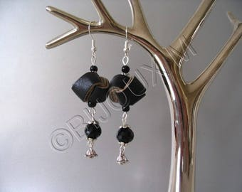 Black fashion jewelry earrings bows