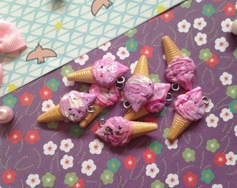 Set of 8 Strawberry ice cream cones