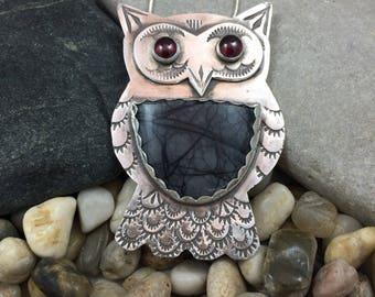 Picasso Jasper owl pendant, owl with garnet eyes, gemstone owl pendant, owl pin, silver owl necklace, handmade pendant, sterling silver