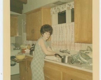 Vintage Snapshot Photo: In the Kitchen, 1966 (710613)