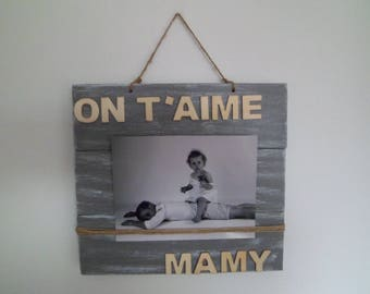 Picture frame to suspend gray and white patina
