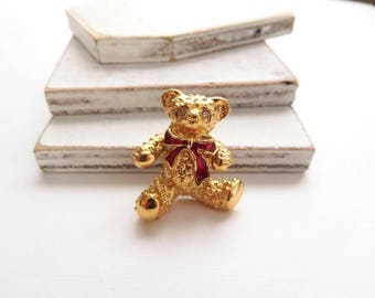 Vintage Avon Gold Tone Red Bow Teddy Bear Brooch Lapel Pin V48