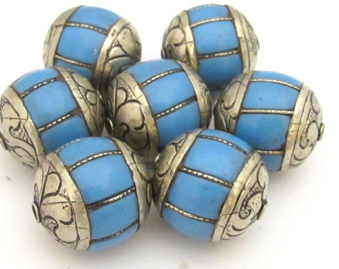 2 BEADS - Large grooved melon shape Tibetan silver blue copal resin bead - BD715