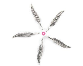 x 10 (270D) 7x37mm silver feather charm