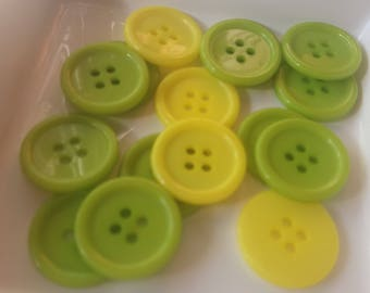 Set of 15 buttons green and yellow