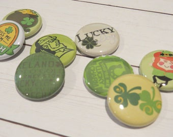 St. Patrick Day flair Buttons, Set of 8, 1 Inch, St Paddy, Kiss Me I'm Irish, Lucky Day, Shamrock, Pot of Gold, Leprechaun, Lucky Charm F013