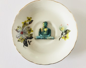 Sitting Buddha on White Display Plate 3D Sculpture with Yellow Green White Flower Design for Wall Decor Birthday Wedding Anniversary Gift