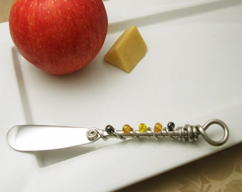 Hand wire wrapped and beaded spreader knife - golds