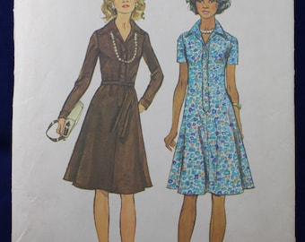 1970's Sewing Pattern for a Dress in Size 12 - Simplicity 6155