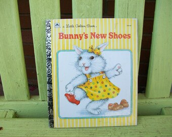 Bunny's New Shoes by Sephanie Calmenson - illustrated by Lisa McCue Karsten - 1987