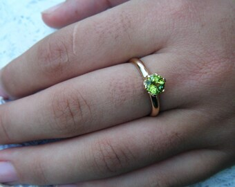 PERIDOT ring gold, Bright Green Natural Peridot in Solid Gold Ring, August birthstone, natural gemstone