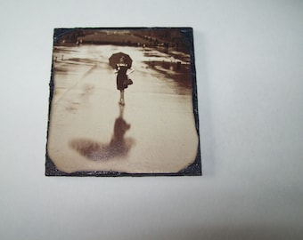 Dollhouse Picture Wall 1:12 Girl Black and White Rain Photo Decor Miniture