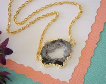 Geode Necklace Gold, Crystal Necklace, Double Sided Geode Agate Slice, Druzy Pendant, Natural Pendant, Natural Stone, GDSN32