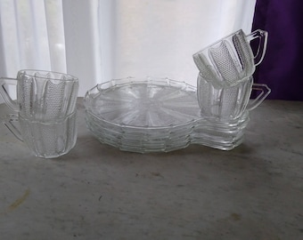 4 Vintage Clear Round Pinwheel Plates With Cups Snack Set