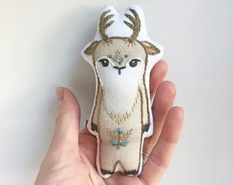 Little Deer DIY Hand Embroidered Doll sewing Kit Sampler art embroidery pattern designs