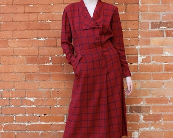 Town Tailored Vintage 1940s Button Front Dress