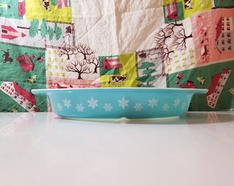 Pyrex Snowflake Divided Casserole