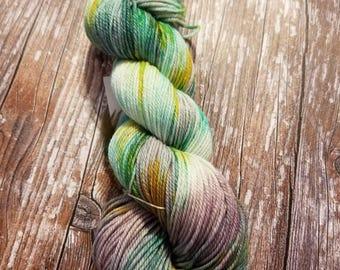 Hand dyed merino 4ply indie dyed yarn hand painted yarn  100g dk weight yarn variegated yarn speckled yarn green yarn