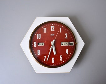 Vintage wall clock ODO Quartz made in France / perpetual calendar / rare hexagonal model white and red