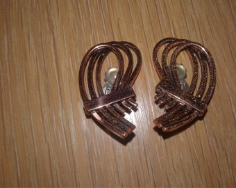 Vintage 60s Matisse Coppertone Clipback Earrings