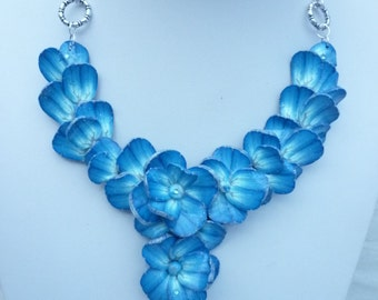 Blue  polymer flowers  necklace