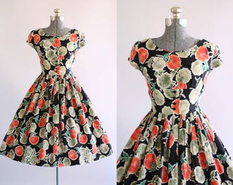 Vintage 1950s Dress / 50s Cotton Dress / Red Green and Black Floral Dress w/ Shelf Bust S
