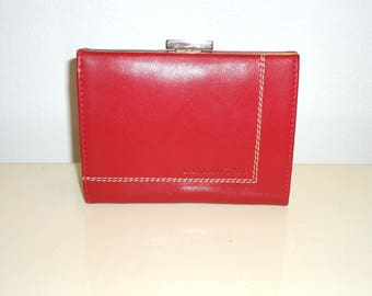 Must See Lamarthe Oxblood Red Leather Sectional Coin Purse