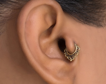 18g Tragus Piercing. Gold Cartilage Hoop. Helix Earring. Daith Piercing . Cartilage Jewelry. Tragus Earring. Cartilage Earring. Helix Hoop.