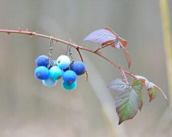 Orecchini di feltro palla in un grappolo d'uva forma - cluster orecchini fatte delle sfere in feltro - quotidiana giocoso orecchini per le donne [E3]