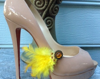 Wedding shoe clips, bridal shoe clips, feathered shoe clips