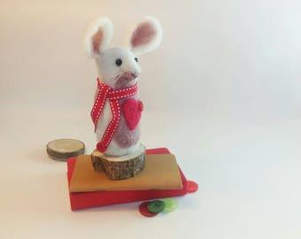 Love Heart Mouse - Needle Felt Mouse - Felt Animal - Mouse Ornament