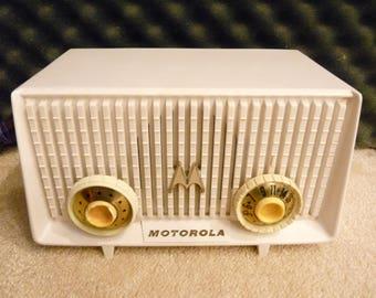 Restored 1955 Motorola Model MK-56R plastic case 5-tube AM table top radio
